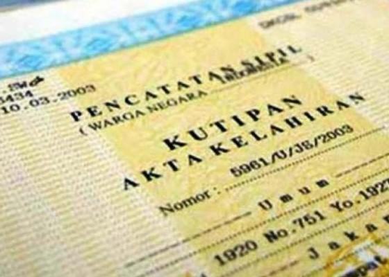 Nusabali.com - dinas-dukcapil-bali-kejar-target-kepemilikan-akta-kelahiran-95-persen