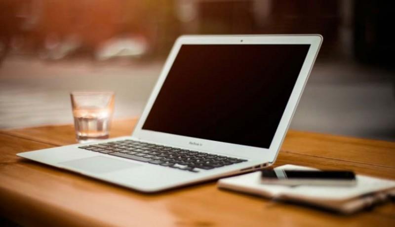 www.nusabali.com-disdikpora-bagikan-laptop-gratis-ke-lima-sekolah-baru