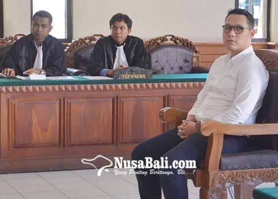 Nusabali.com - disidang-pilot-pencuri-jam-tangan-tak-ditahan