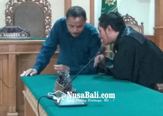 Nusabali.com - korupsi-24-m-ketua-lpd-bebetin-divonis-2-tahun