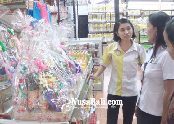 Nusabali.com - diskoperindag-jembrana-temukan-parcel-tanpa-label