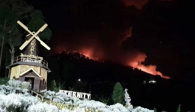 www.nusabali.com-gunung-agung-erupsi-abu-sampai-ke-bangli