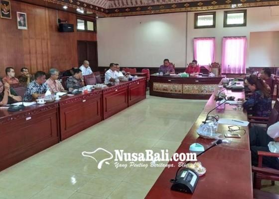 Nusabali.com - pengerjaan-gor-debes-kepupungan