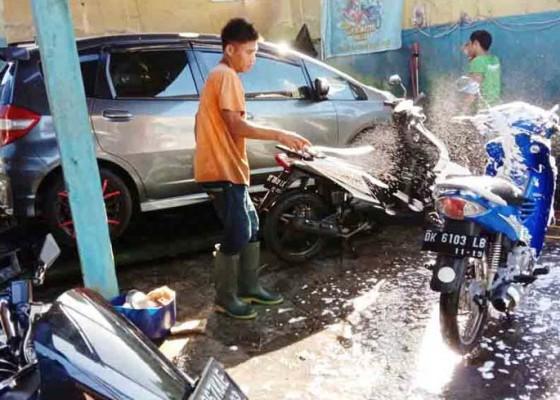 Nusabali.com - jasa-cuci-kendaraan-banjir-pelanggan