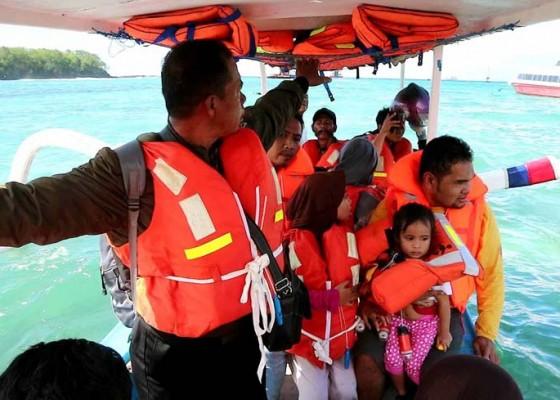 Nusabali.com - kapal-kandas-194-penumpang-dievakuasi-dalam-kondisi-selamat