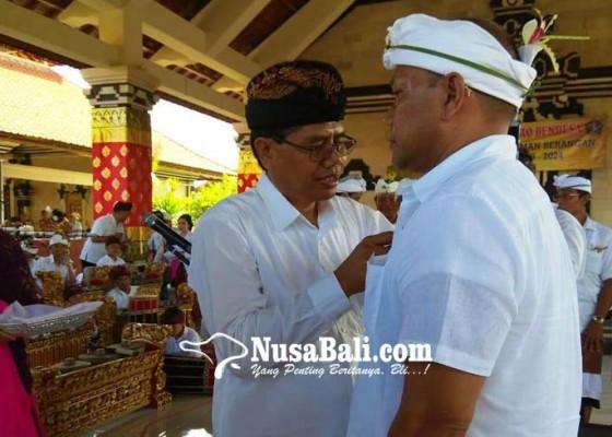 Nusabali.com - sedana-kembali-terpilih-jadi-bendesa-serangan