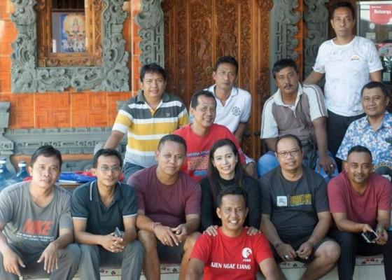 Nusabali.com - aksi-sosial-awali-acara-reuni-smansa-negara-angkatan-94