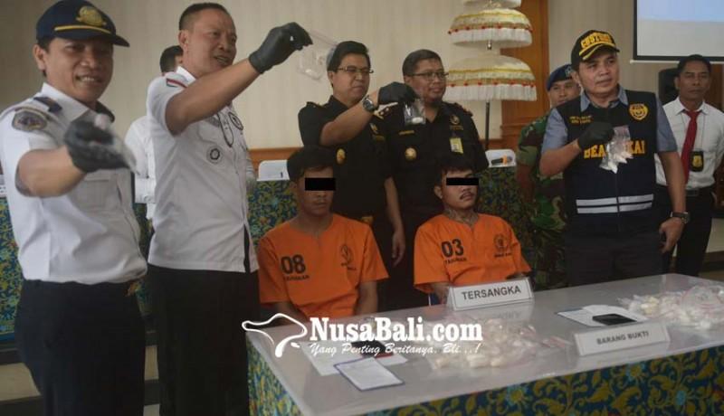 www.nusabali.com-dua-wna-thailand-sembunyikan-1-kg-shabu-di-perut