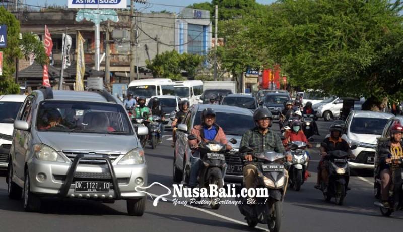 www.nusabali.com-mulai-jumat-ini-jalan-cokro-kembali-dua-arah