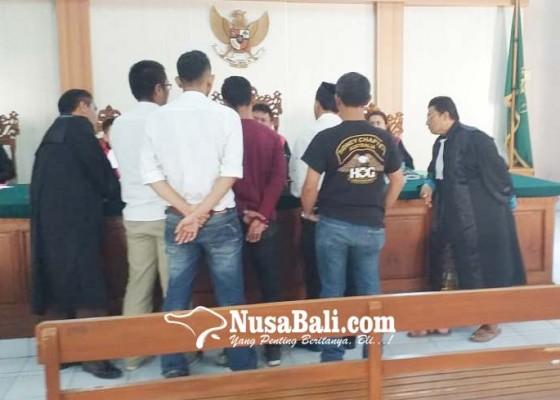 Nusabali.com - saksi-polisi-dan-pengacara-terdakwa-nyaris-baku-hantam