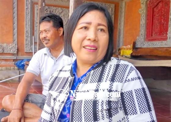 Nusabali.com - janda-tiga-anak-mengadu-ke-kemenkum-ham