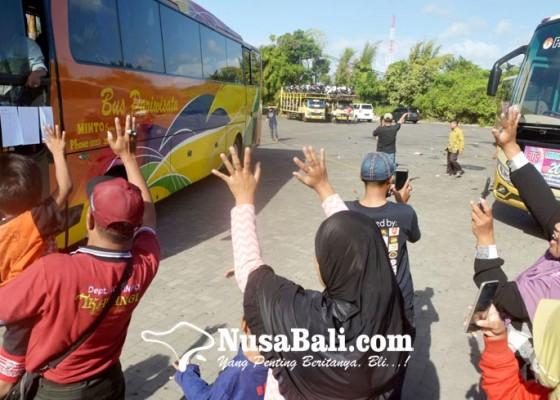 Nusabali.com - hindari-macet-dan-kecelakaan-ikawangi-gelar-mudik-gratis