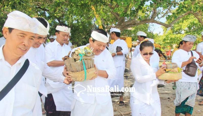 www.nusabali.com-pemkab-jembrana-ngaturang-bakti-pujawali-di-pura-segara-rupek