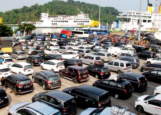 Nusabali.com - 559-ribu-kendaraan-belum-mudik