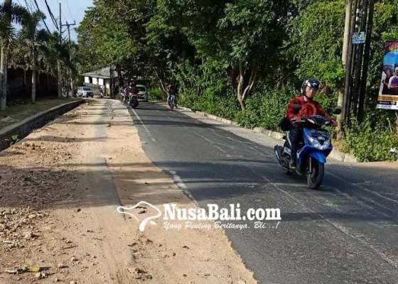 Nusabali.com - bekas-galian-tak-kunjung-diaspal