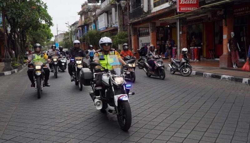 www.nusabali.com-wakapolresta-patroli-lebaran-naik-motor
