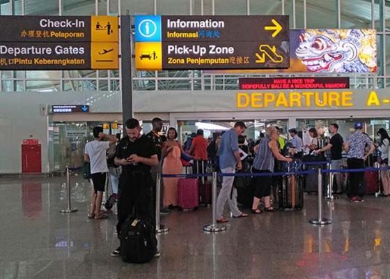 Nusabali.com - wisatawan-domestik-turun-12-persen