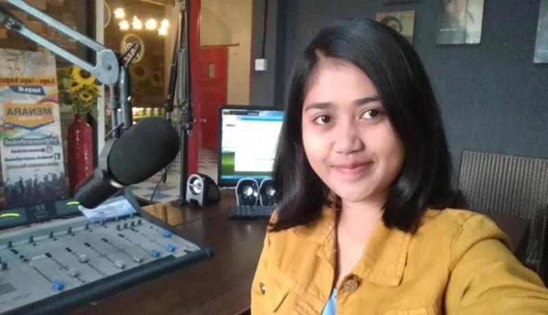 www.nusabali.com-mau-jadi-penyiar-radio-yuk-intip-keluh-kesahnya