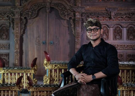 Nusabali.com - agung-suyoga-relakan-cita-cita-jadi-notaris