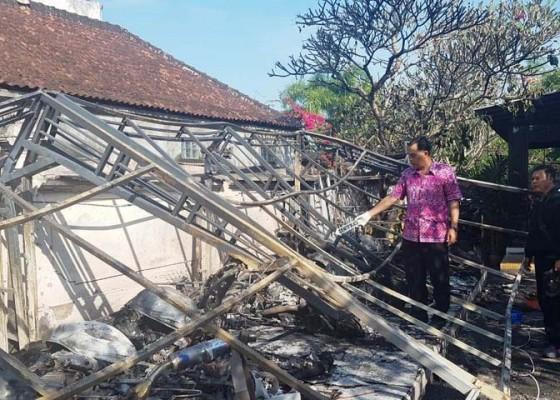 Nusabali.com - belasan-motor-sport-hangus-terbakar