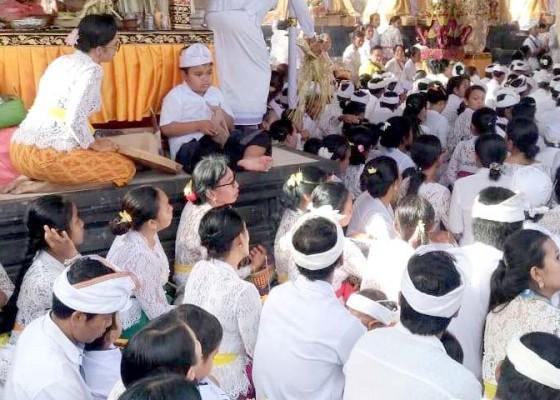 Nusabali.com - karya-di-pura-tegeh-arya-wang-bang-pinatih-pecatu-berjalan-lancar