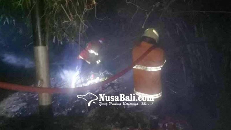 www.nusabali.com-tps-pasar-desa-ulakan-terbakar
