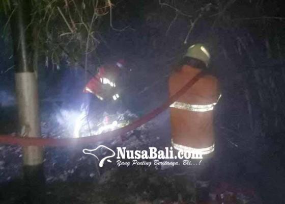 Nusabali.com - tps-pasar-desa-ulakan-terbakar