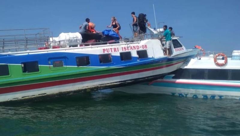 www.nusabali.com-dua-fast-boat-tabrakan-di-perairan-serangan-4-luka-berat