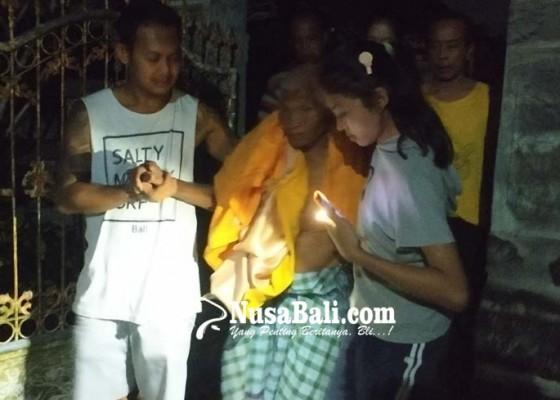 Nusabali.com - bale-terbakar-pekak-nyaris-terpanggang