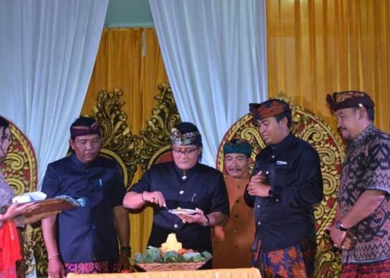 Nusabali.com - bupati-giri-prasta-ajak-pemuda-kuatkan-persatuan