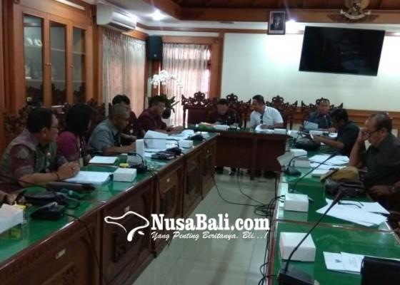 Nusabali.com - pembahasan-perubahan-perda-pilkel-rampung