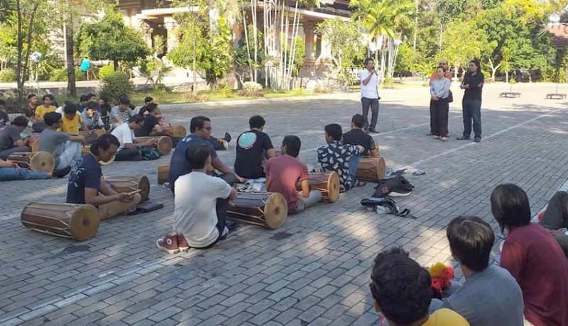www.nusabali.com-550-seniman-isi-siap-tampil-di-pkb