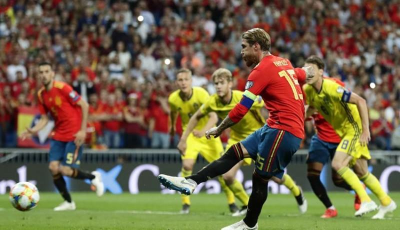 www.nusabali.com-dua-penalti-spanyol-benamkan-swedia
