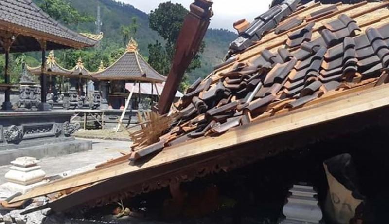 www.nusabali.com-puting-beliung-porakporandakan-pura-pande-desa-abang-batudingding