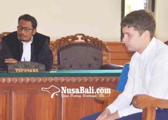 Nusabali.com - penyelundup-orang-utan-asal-rusia-disidang