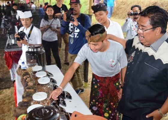 Nusabali.com - rawan-longsor-100-ha-lahan-dikembalikan-jadi-kebun-kopi