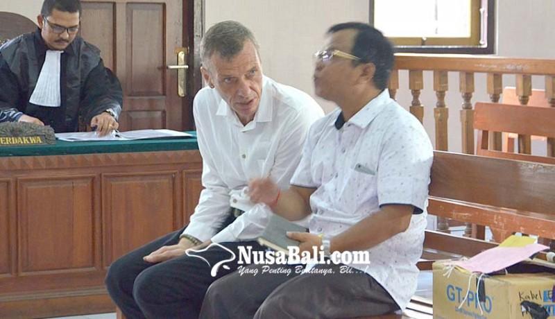 www.nusabali.com-penyelundup-2-kg-hasish-asal-jerman-divonis-10-tahun
