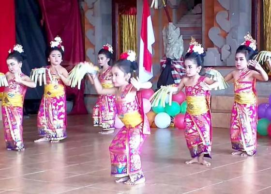 Nusabali.com - ratusan-siswa-tk-pentas-kreatifitas-di-penglipuran