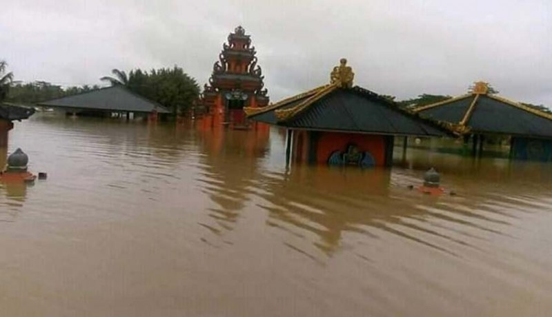 www.nusabali.com-umat-hindu-di-3-kabupaten-jadi-korban-banjir