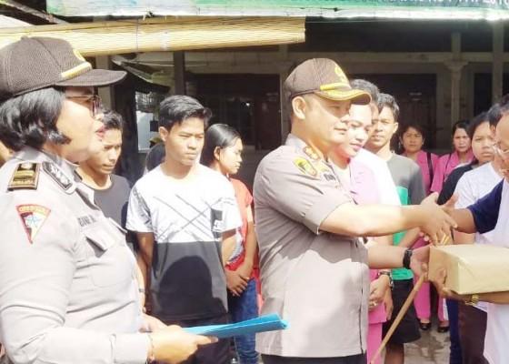 Nusabali.com - hari-bhayangkara-polres-jembrana-kunjungi-panti-asuhan