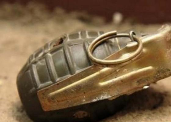 Nusabali.com - pemulung-temukan-benda-mirip-granat