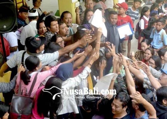 Nusabali.com - verifikasi-ppdb-smp-di-denpasar-ricuh