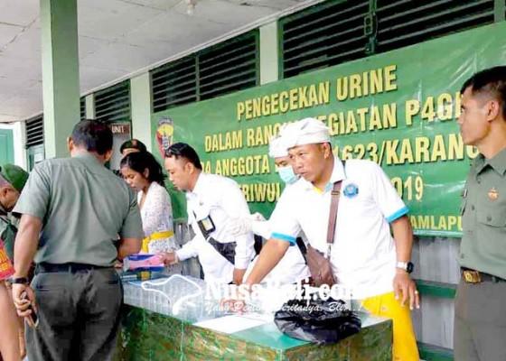 Nusabali.com - bnnk-karangasem-tes-urine-46-anggota-kodim
