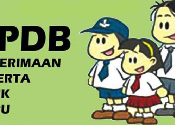 Nusabali.com - banyak-orangtua-ditengarai-cari-surat-domisili-dadakan