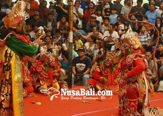 Nusabali.com - wayang-wong-tejakula-undang-decak-kagum-penonton