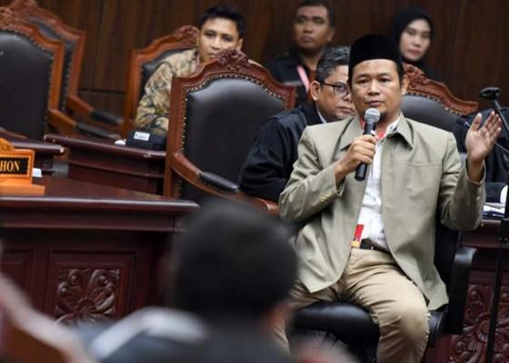 Nusabali.com - mk-coret-2-saksi-ilegal-yang-diajukan-prabowo