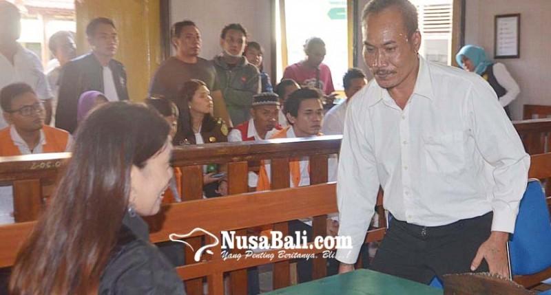 www.nusabali.com-ngamuk-bawa-pedang-di-jalan-tinggal-dituntut-6-bulan