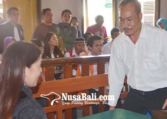 Nusabali.com - ngamuk-bawa-pedang-di-jalan-tinggal-dituntut-6-bulan