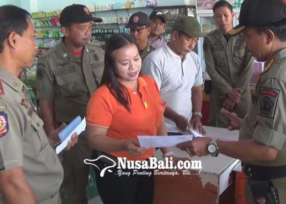 Nusabali.com - sejumlah-toko-belum-terapkan-hari-berbusana-adat-bali