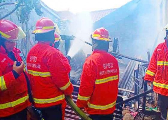 Nusabali.com - rumah-ludes-terbakar-asal-api-masih-misterius